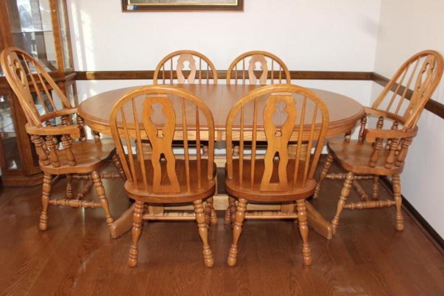Broyhill Dining Room Set Used To Make Gandalf Hat Png