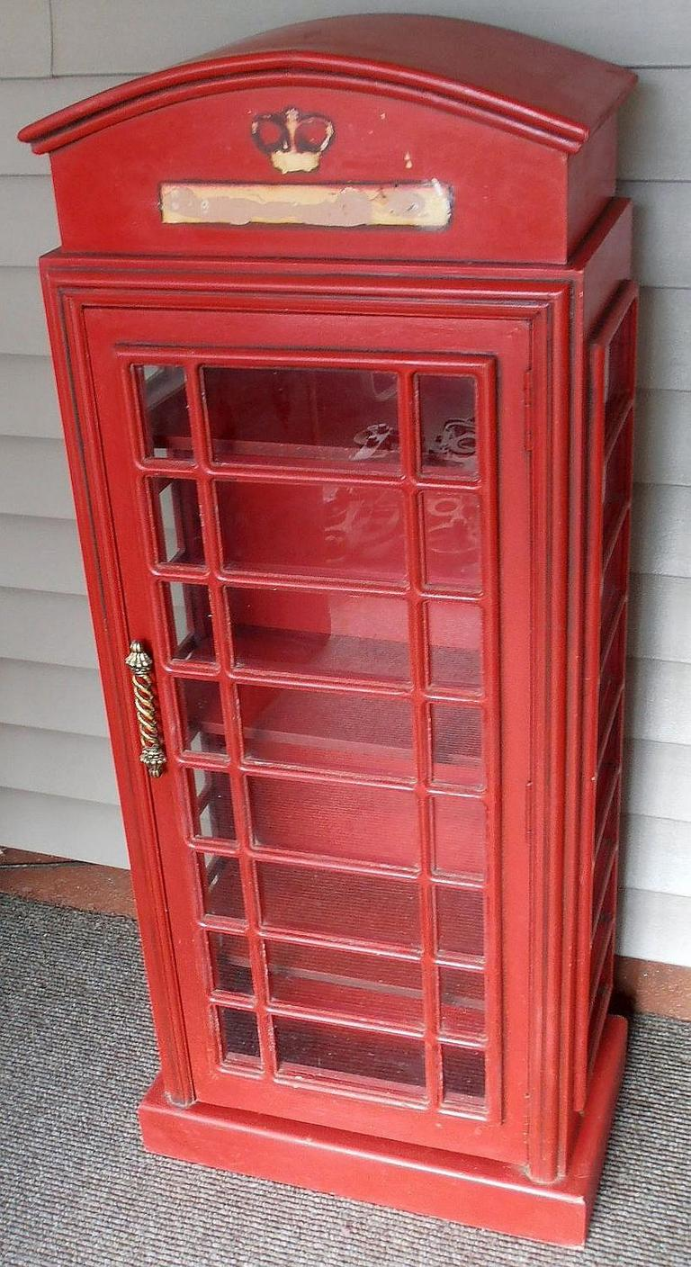 Lot#: 1   British Phone Booth Cabinet