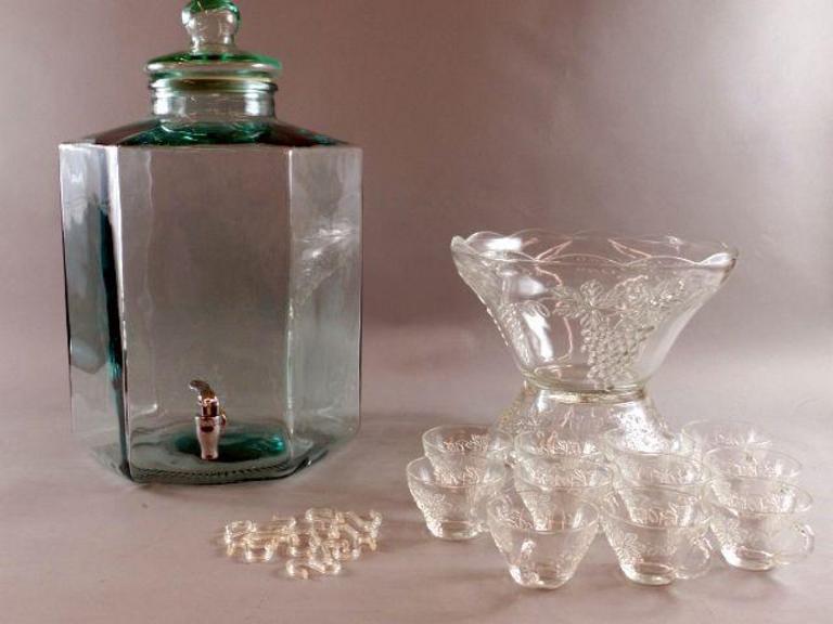 Auction Ohio   Beverage Jar & Punch Bowl Set