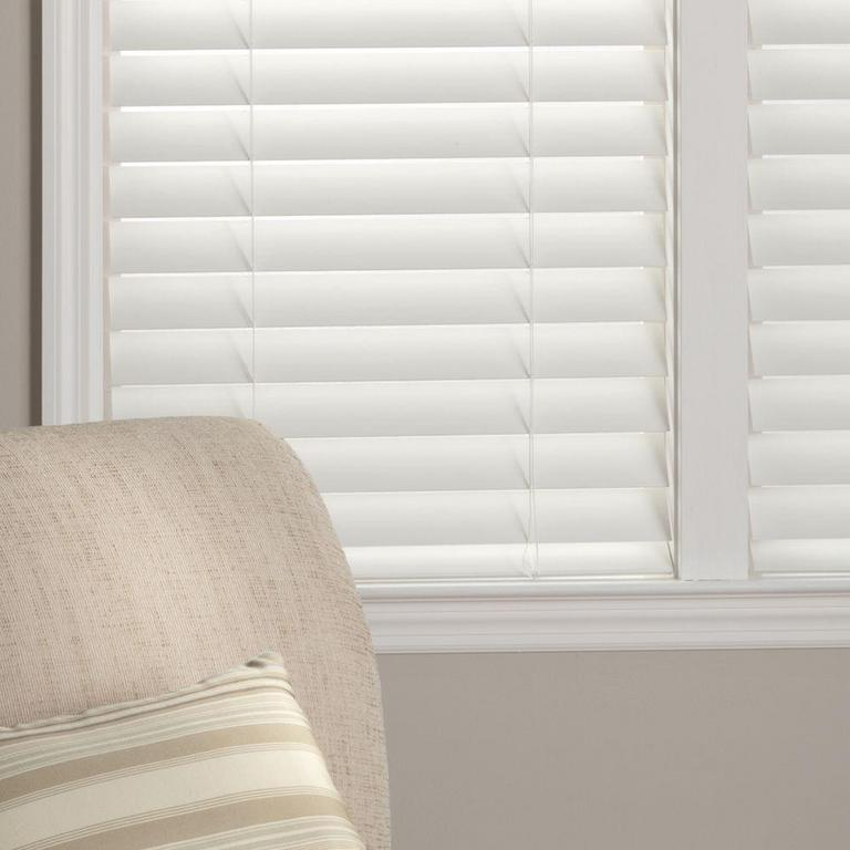 Auction Ohio White Faux Wood Blinds