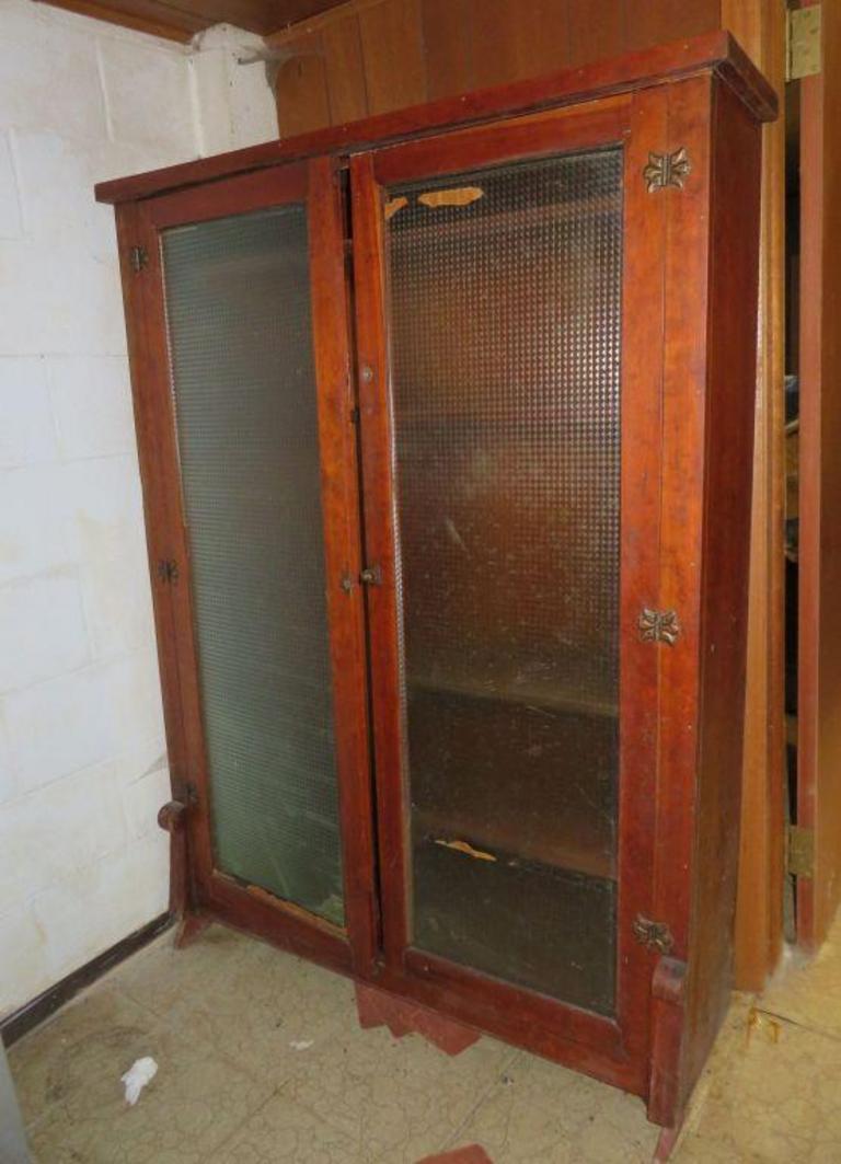 Fine Auction Ohio Antique Gun Cabinet Download Free Architecture Designs Scobabritishbridgeorg