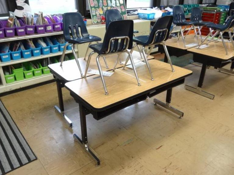 Super Auction Ohio Dual Student Desk Chairs Caraccident5 Cool Chair Designs And Ideas Caraccident5Info
