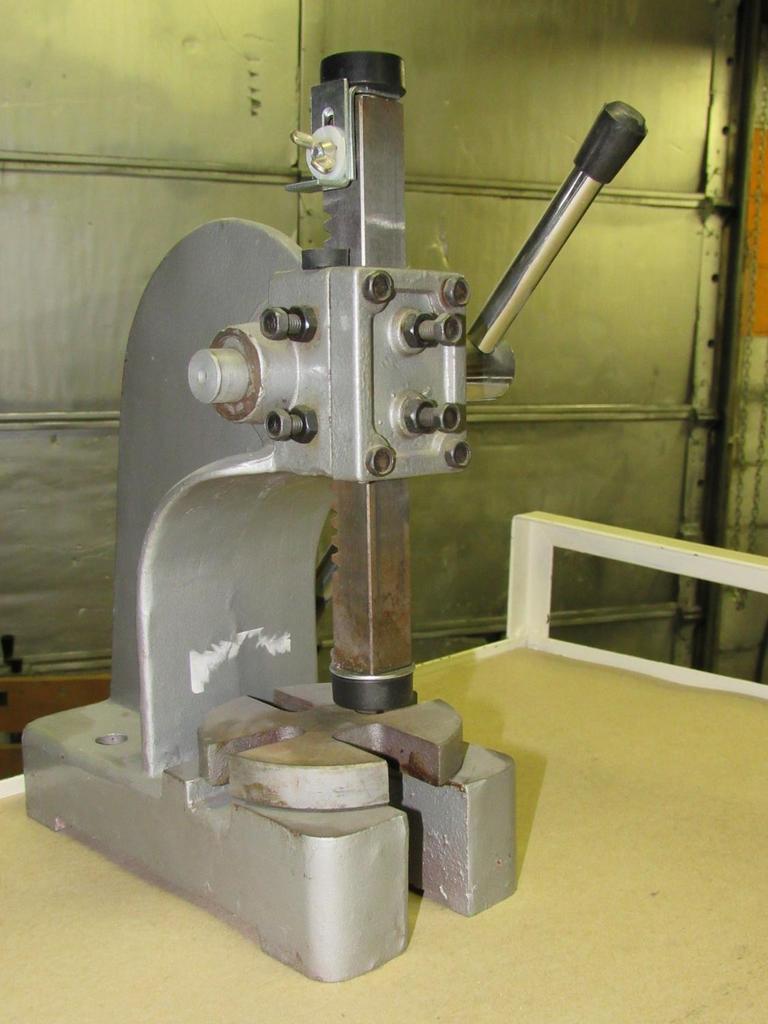 Auction Ohio   Button Press