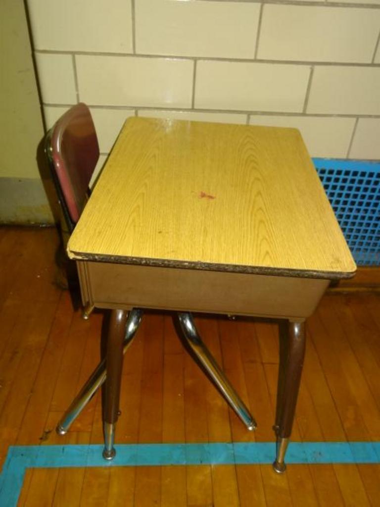 Peachy Auction Ohio Student Desk Chair Cjindustries Chair Design For Home Cjindustriesco