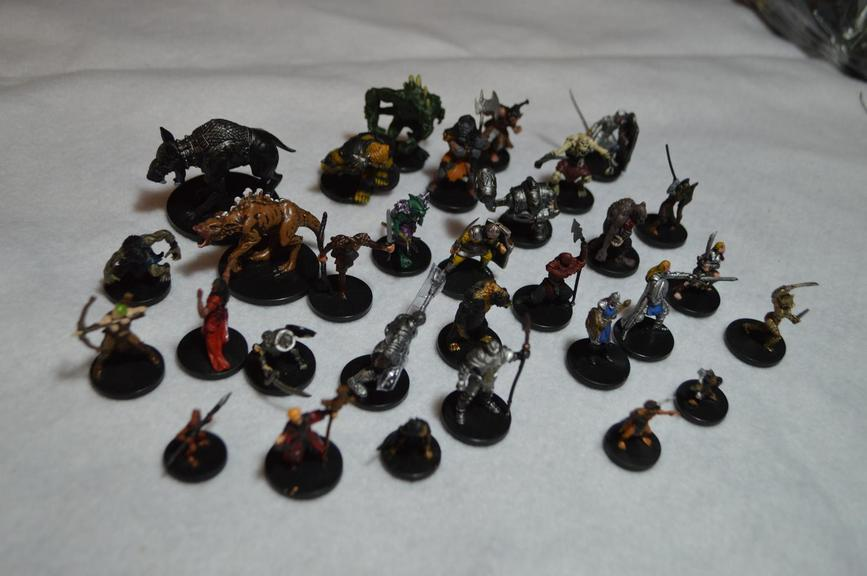 Auction Ohio | Dungeons/Dragons Miniatures