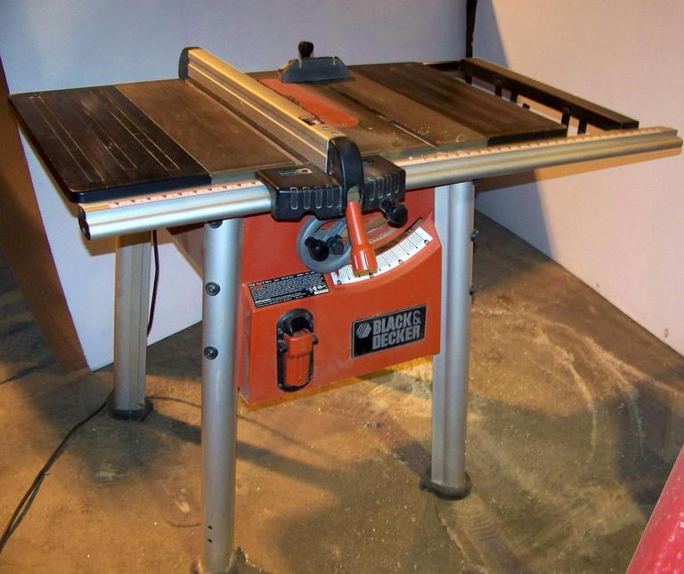 Black and Decker Table Saw
