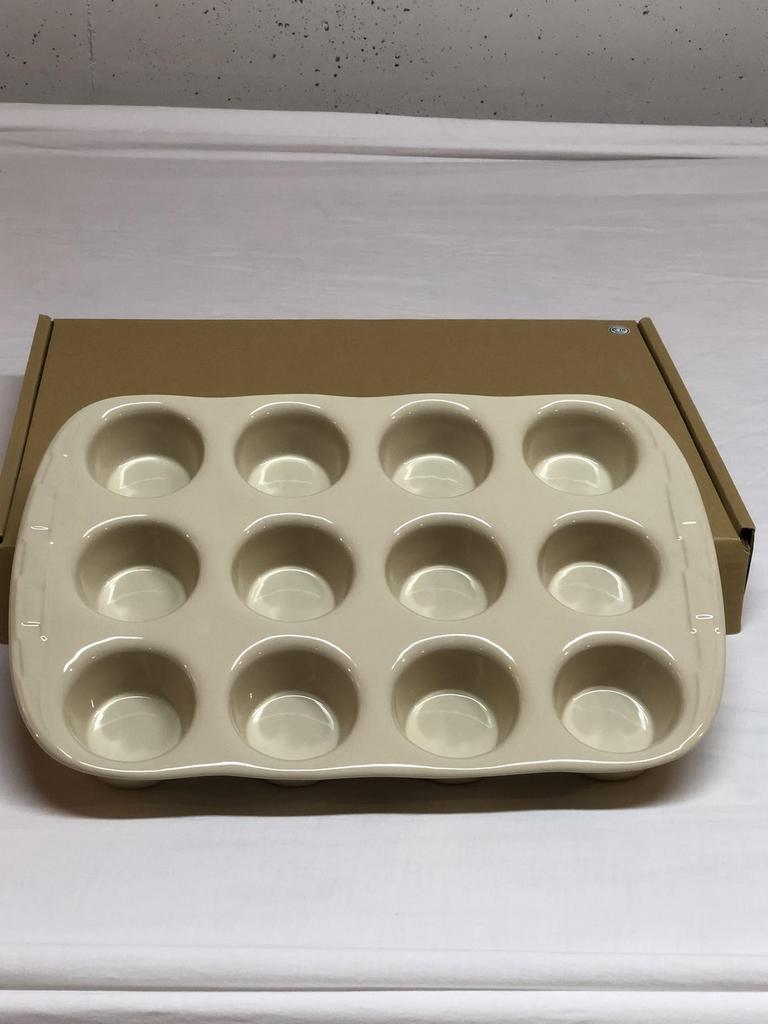LONGABERGER Woven Traditions PAPRIKA Pottery FULL SIZE MUFFIN OR CUPCAKE PAN